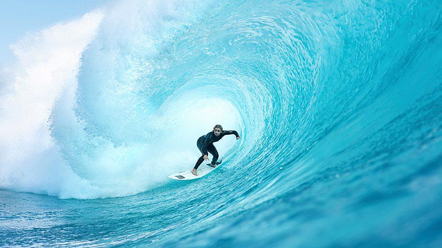 She Surfs Bronte Macaulay Photo Jack Ogrady 72dpi